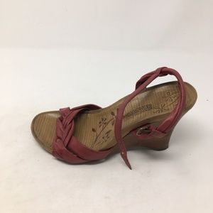 KENNETH COLE RED WEDGE HEELS 6.5